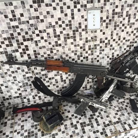 Armas apreendidas em Santa Cruz, na Zona Oeste do Rio Foto: Divulgação