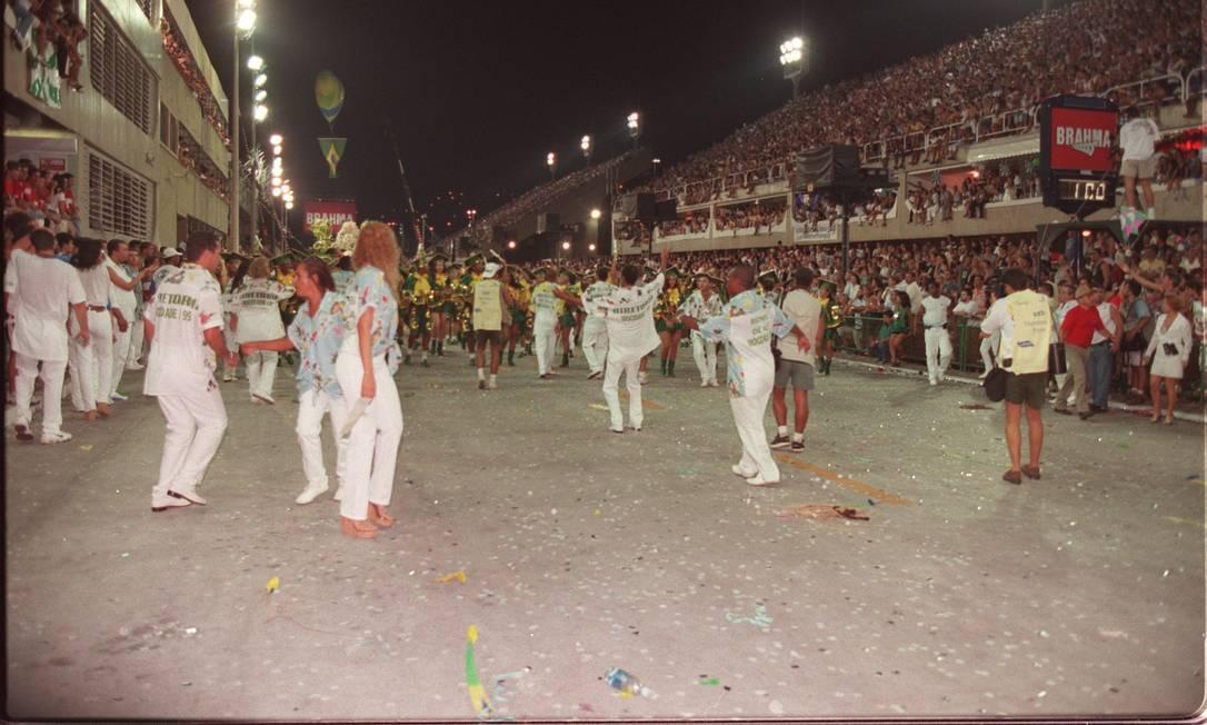 O buraco que acabou com o sonho do campeonato Leonardo Aversa / Agência O Globo