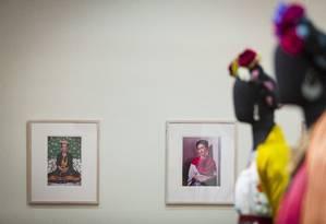 Detalhes da exposição 'Frida Kahlo: Conexões entre mulheres surrealistas no México', que abre sexta-feira na Caixa Cultural Foto: Leo Martins / Agência O Globo