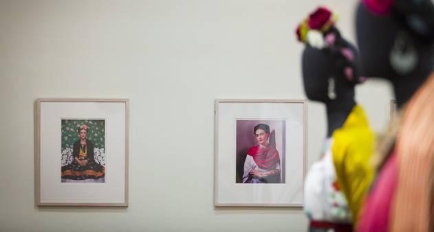 Trajetória vibrante de Frida Kahlo é revista em exposição que chega ao Rio