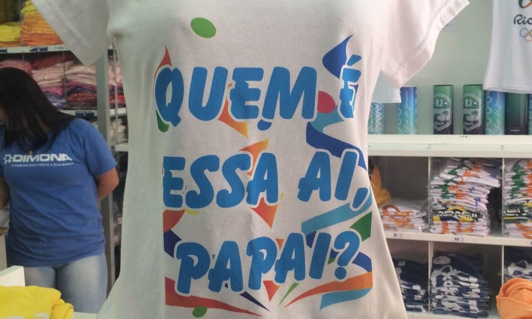 628fa890ed Camisa com frase da Ivete Sangalo é principal aposta para o carnaval Foto   Patricia Vivas