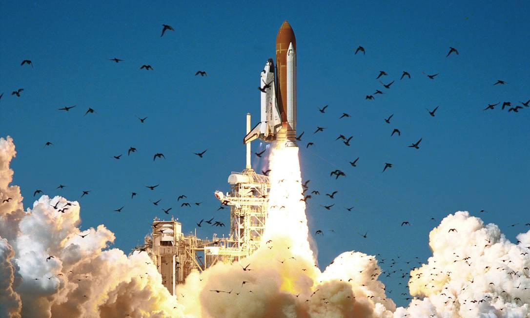 Devido às más condições meteorológicas, o lançamento do ônibus espacial, inicialmente previsto para o dia 22 de janeiro, foi adiado seis vezes. Sua missão era trazer para a Terra a plataforma de experiências Spartan, localizada na órbita do planeta. Divulgação / Nasa
