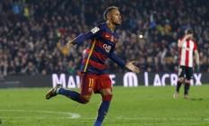 Neymar comemora um de seus gols com a camisa do Barcelona Foto: ALBERT GEA / REUTERS