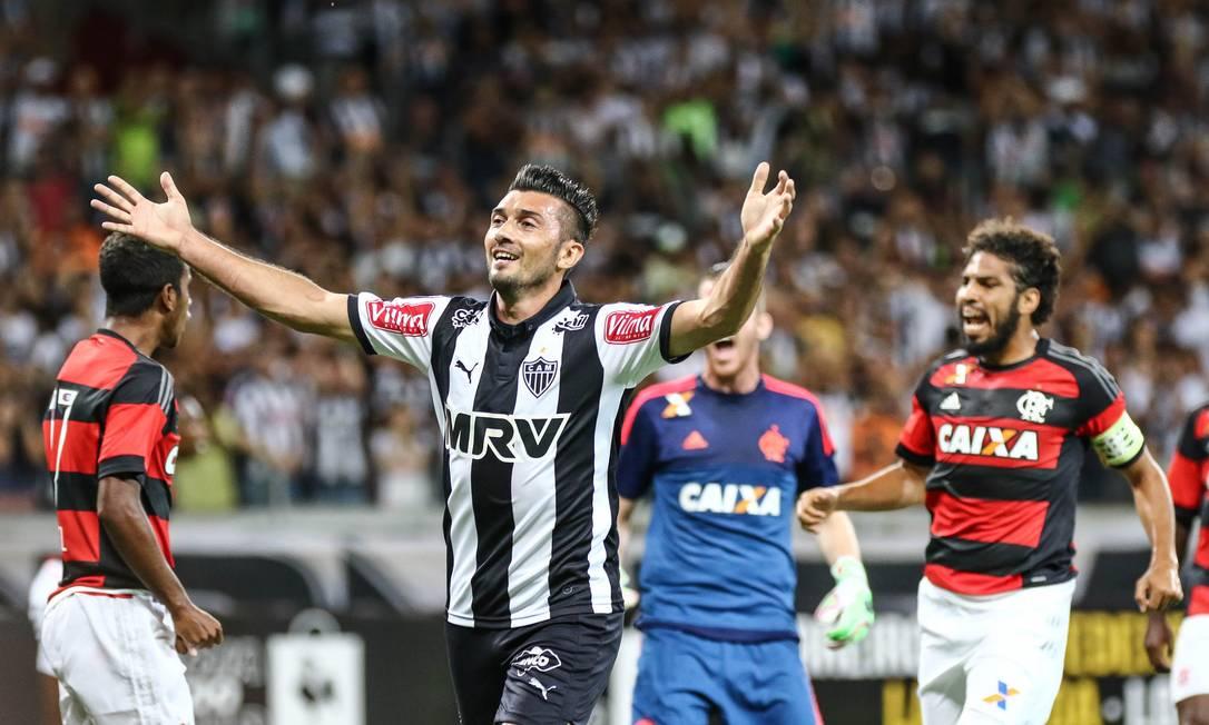 Enquanto argentino Dátolo lamenta chance perdida, Gabriel, Paulo Victor e Wallace comemoram Divulgação - Atlético-MG