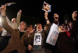 Mães e Avós da Praça de Maio comemoram condenação à prisão perpétua de ex-oficiais argentinos da década de 1970 em Buenos Aires Foto: MARCOS BRINDICCI / REUTERS