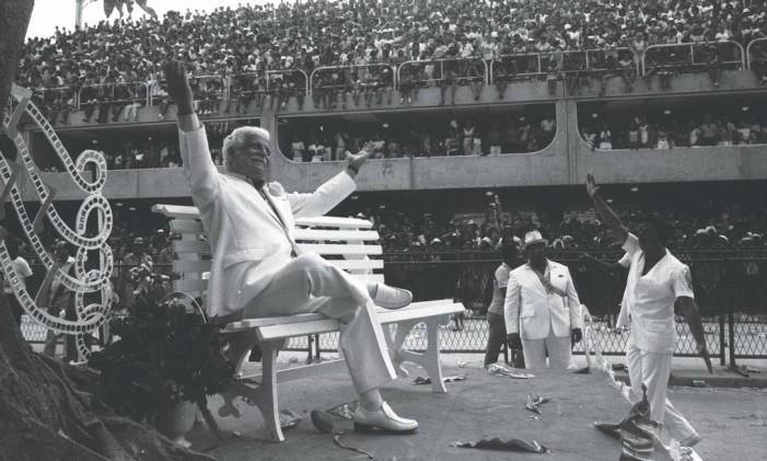 Braguinha desfilou numa alegoria da Mangueira em 1984 Foto: Paulo Moreira / Agência O Globo