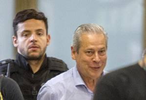 O ex-ministro José Dirceu chega à sede da Justiça Federal no Paraná Foto: Paulo Lisboa / Brazil Photo Press - 29/01/2016