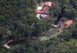 Imagem aérea do Sítio Santa Bárbara, em Atibaia: propriedade, que pertence aos sócios do filho de Lula, é alvo de investigação Foto: Jefferson Coppola/Veja/21-04-2015