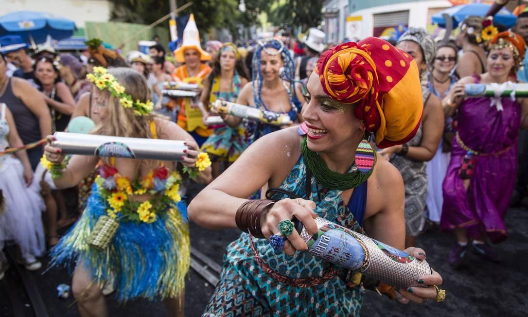 Este ano o bloco Céu na Terra apresentou o gênero musical Marrabenta, da África, para cariocas e turistas Fernando Lemos / Agência O Globo