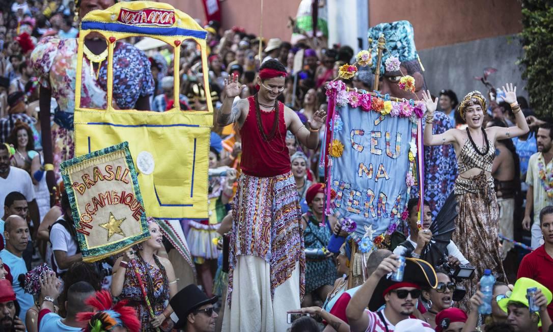 Bloco Céu na Terra reuniu 8 mil foliões em Santa Teresa Fernando Lemos / Agência O Globo