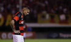 O desânimo de Guerrero ao final do jogo em Edson Passos Foto: Márcio Alves / Agência O Globo