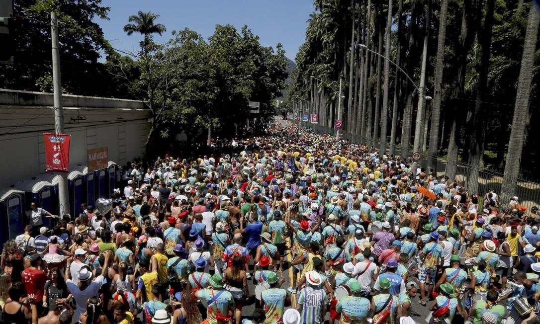 Cerca de 30 mil pessoas eram esperadas para a folia no Jardim Botânico Foto: Gabriel de Paiva / Agência O Globo
