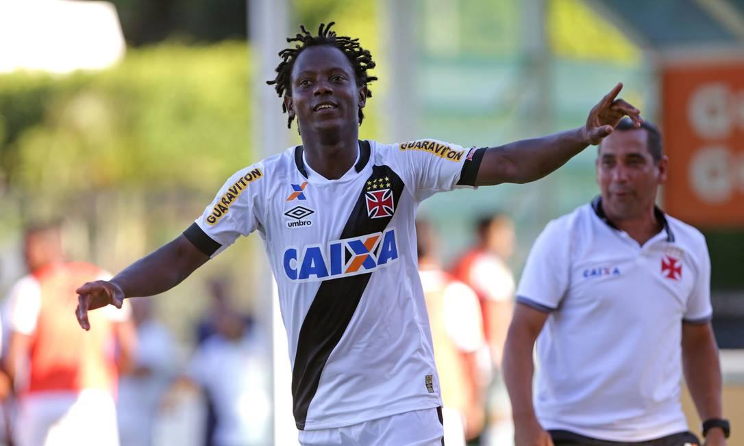 A alegria de Andrezinho ao marcar seu primeiro gol no ano Márcio Alves / Agência O Globo