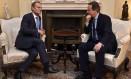 David Cameron e Donald Tusk se encontram em Londres Foto: TOBY MELVILLE / REUTERS