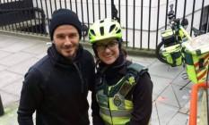 David Beckham ajuda paramédica em rua de Londres Foto: Reprodução