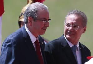 O presidente da Câmara, Eduardo Cunha, e o presidente do Congresso, Renan Calheiros Foto: Andre Coelho / Agência O Globo