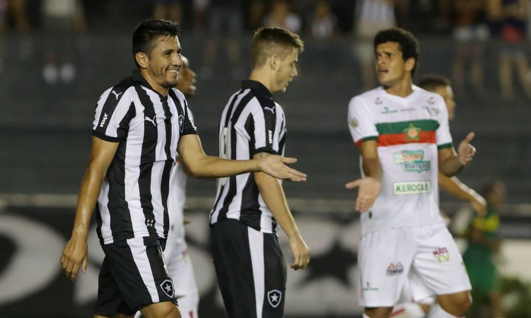 Gervasio Nuñez sorri na partida entre Botafogo e Portuguesa Marcelo Theobald / Agência O Globo