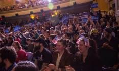 Apoiadores de Sanders se reúnem em New Hampshire: senador tirou Hillary da zona de conforto Foto: Andrew Burton / AFP