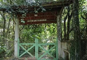 Na entrada de Los Fubangos, que pertence a Lula e Marisa, porteira é baixa e não há campainha Foto: Edilson Dantas