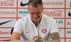D'Alessandro chora durante entrevista de despedida do Internacional Foto: Divulgação