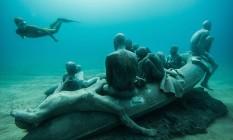 """""""The raft of Lampedusa"""", uma das esculturas de Jaison deCaires Taylor, no Museo Atlántico, na Espanha Foto: Reprodução"""