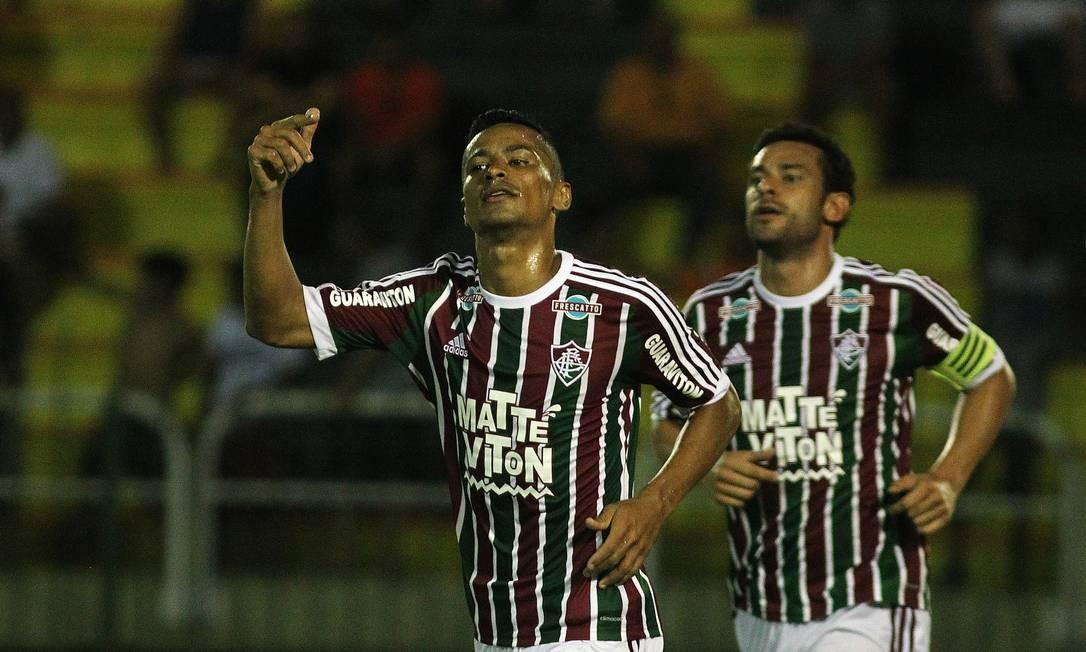 Cícero comemora o terceiro gol do Fluminense Divulgação