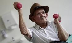 Idoso praticando exercícios: estudo abre caminho para tratamentos que estendam a longevidade e a expectativa de vida saudável de humanos Foto: Juan Carlos Ulate / Juan Carlos Ulate