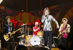 Mick Jagger, Keith Richards, Ronnie Wood e Charlie Watts em show no Chile, nesta quarta Foto: RODRIGO GARRIDO / REUTERS