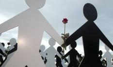 Protesto contra o racismo no calçadão da Praia de Copacabana, em março de 2014: conceito genético de raça serviu como base para teorias ideológicas Foto: Fernando Quevedo/26-3-2014