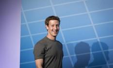 O diretor executivo do Facebook, Mark Zuckerberg, quer incluir mais 3,5 bilhões de usuários à plataforma até 2030 Foto: Simon Dawson / Bloomberg