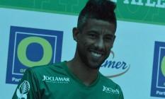 Léo Moura veste a camisa do Metropolitano Foto: Divulgação