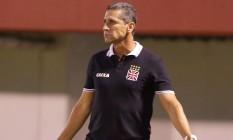 Jorginho, técnico do Vasco, gesticula na partida contra o América Foto: Marcelo Theobald / Agência O Globo