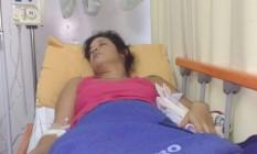 Com síndrome. Sabrina na UPA em Petrópolis: paciente aguarda internação Foto: Fabiano Castro/Arquivo Pessoal