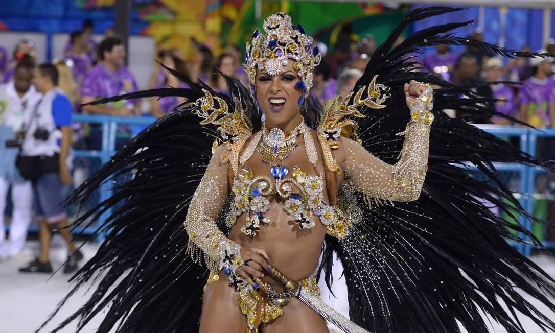 Mônica Nascimento, rainha de bateria da Acadêmicos da Rocinha Diego Mendes/Agência O Globo