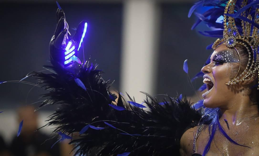 Escola Unidos de Vila Maria levou luzes e brilho à passarela Agência O Globo