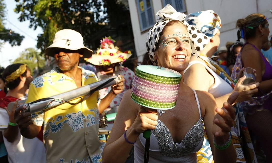 O bloco abriu o desfile com Coisa nº 4, de Moacir Santos e seguiu para Largo do Curvelo Ana Branco / Agência O Globo