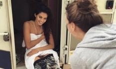 Sara Sampaio tira a roupa de sereia Foto: Reprodução Instagram
