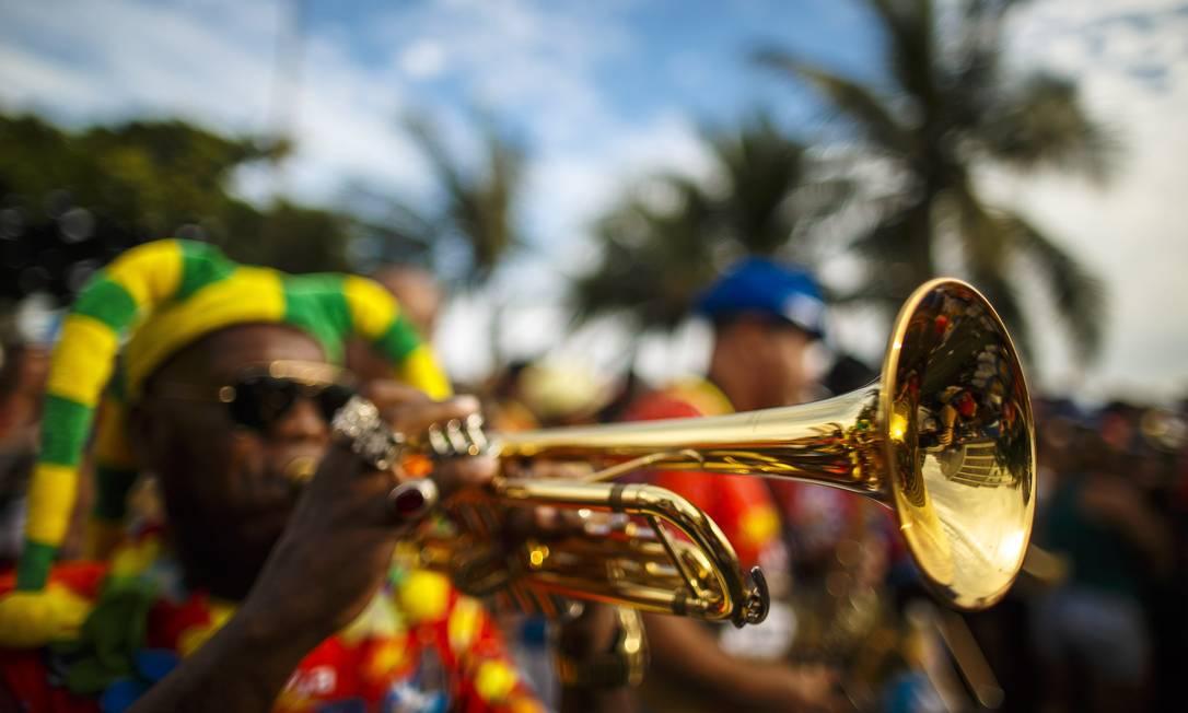 A tradicional Banda de Ipanema desfila pelas ruas da zona sul carioca Daniel Marenco / Agência O Globo