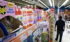 No varejo. Em alguns casos, redes de supermercados e farmácias registram alta de até sete vezes no volume de negócios. Foto: Luiz Ackermann / Luiz Ackermann