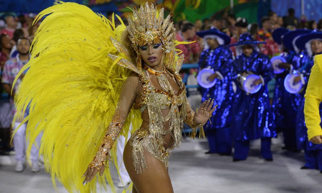 Carol Martins, a rainha de bateria da Paraiso do Tuiuti Diego Mendes