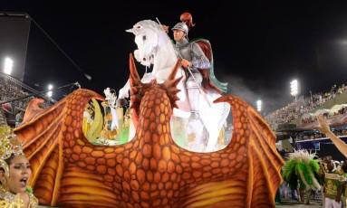 São Jorge em um dos carros imperianos Foto: Diego Mendes
