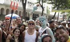 Foliões se divertem no bloco Simpatia é Quase Amor, em Ipanema Foto: Leo Martins / Agência O Globo