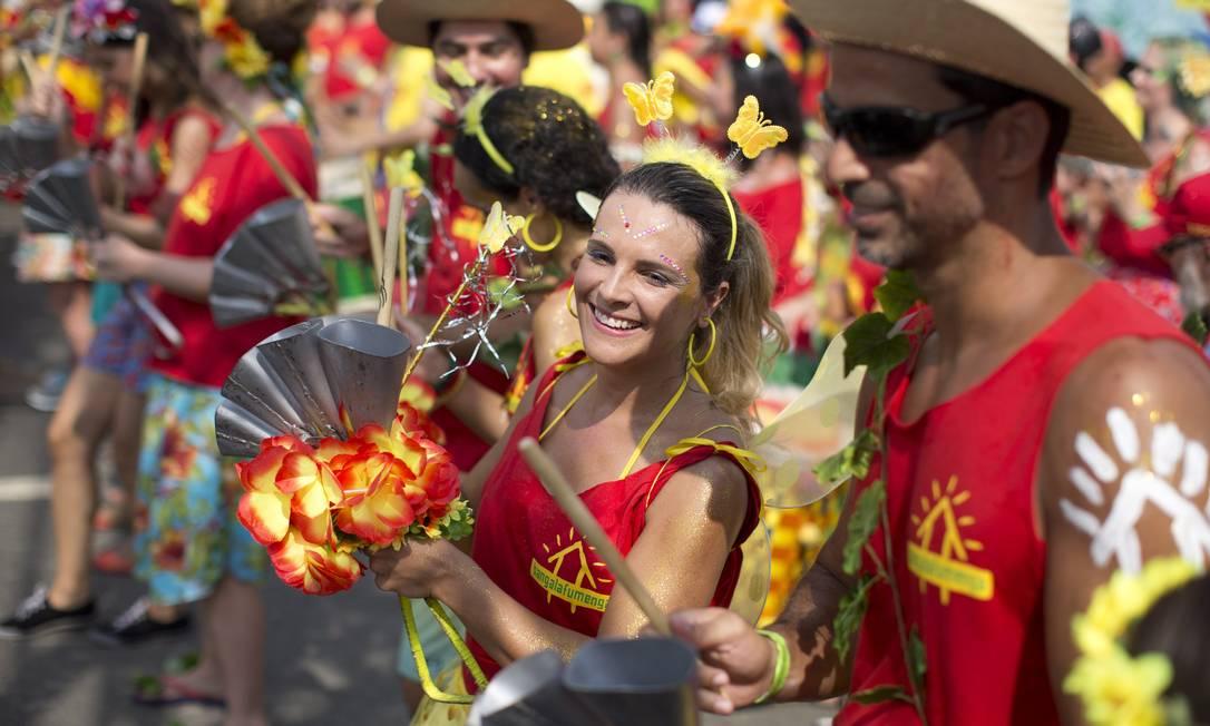 Com novo arranjo para as músicas baianas, a bateria é um dos destaques do Banga Márcia Foletto / Agência O Globo