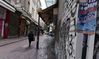 Greve de 24 horas na semana passada deixou lojas fechadas em Atenas Foto: Louisa Gouliamaki/AFP
