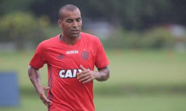 Emerson Sheik disse que o Flamengo vai ganhar do Vasco Foto: Márcio Alves / Agência O Globo
