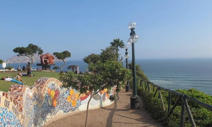 Orla de Lima, capital do Peru Foto: Cristina Massari / O Globo