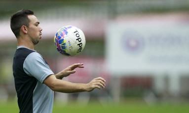 Lizio domina a bola em foto de arquivo Foto: Vítor Silva/SSPress/Botafogo