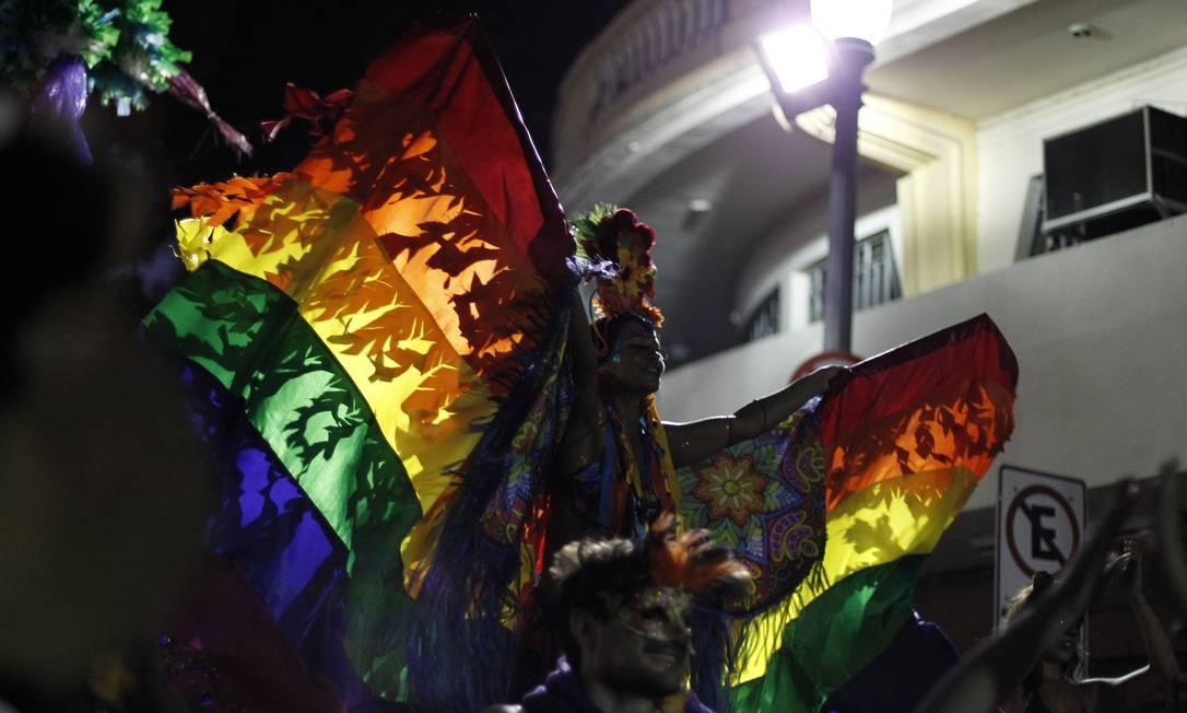 A diversidade marcou presença nas cores do arco-íris Foto: Pedro Teixeira / Agência O Globo