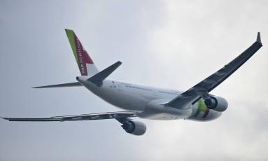 Companhias aéreas são responsáveis por cerca de 2% das emissões globais de carbono Foto: PATRICIA DE MELO MOREIRA / AFP