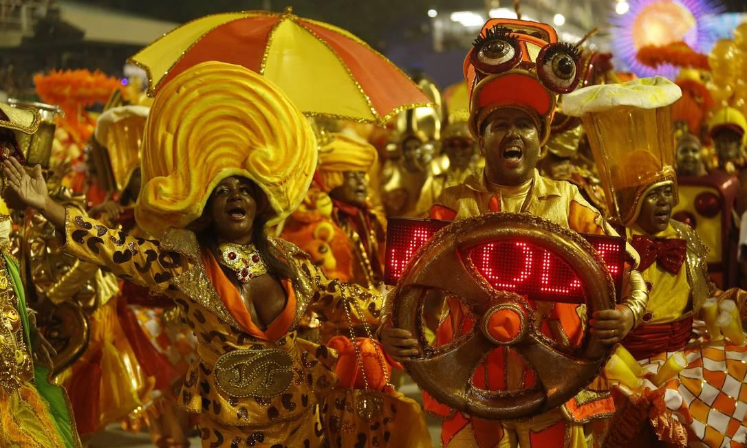 """A melhor ala foi para """"Cariocas são dourados"""", da União da Ilha do Governador Fernando Lemos/ O Globo"""